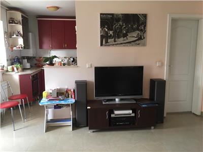 Inchiriere apartament 3 camere modern in Floresti-str Teilor