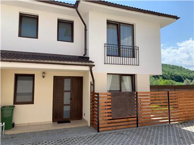 Vanzare parte duplex 4 camere de LUX in Floresti str Fagului