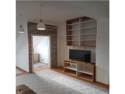 Inchiriere apartament 4 camere modern Central-zona Liceul Avram Iancu