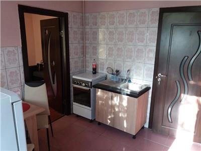 Apartament cu o camera in Centru, la curte comuna, strada Motilor