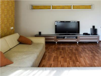 Inchiriere apartament 3 camere modern in Centru- Pta Mihai Viteazul