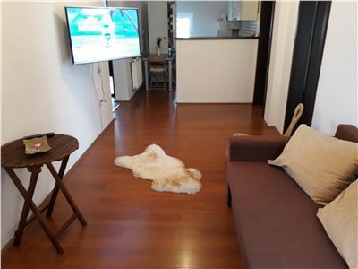 Inchiriere apartament 3 camere modern in Zorilor- M. Eliade