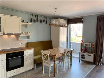 Vanzare apartament 3 camere bloc nou zona Centrala- str Paris
