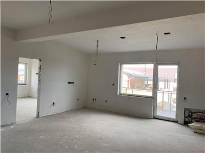 Vanzare apartament 5 camere tip penthouse in Buna Ziua- strada Fagului