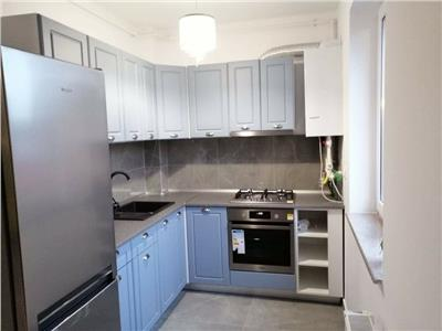 Inchiriere apartament 3 camere bloc nou zona Centrala- Pta Abator